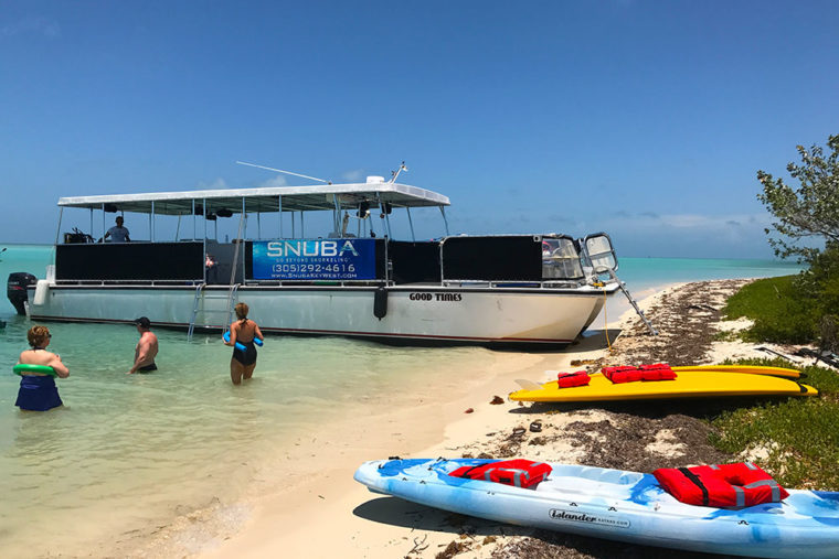 "Sandbar trip with the ""Good Times"" boat tour"
